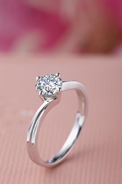 恋之迷情 - 铂900钻石戒指