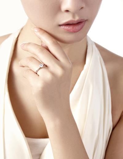 铂900钻石戒指